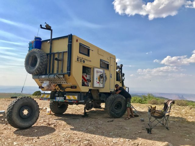Unimog-tire-change-Moab